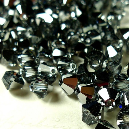 Swarovski Beads 5328/6mm/001 LTCH